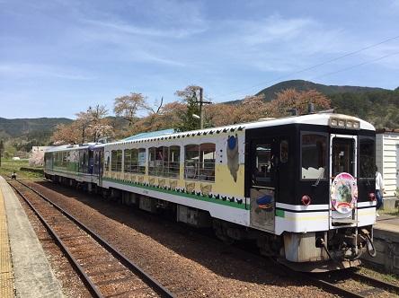 会津鉄道のねこ駅長170521_ペン1