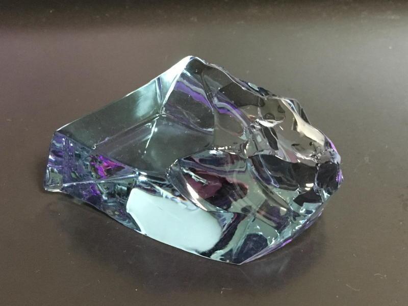 ネオジウムガラス(水色)