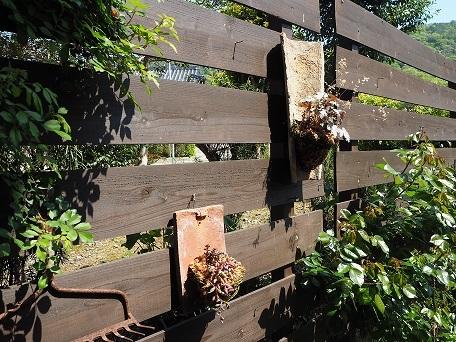 フェンスに飾り付け