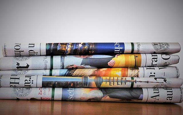 靴箱・ゴミ箱・生ゴミの嫌な臭いと湿気を防ぐ新聞紙の活用方法3選!