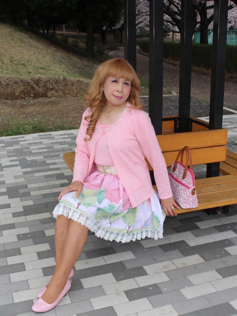 桜とピンクカーデC(1)
