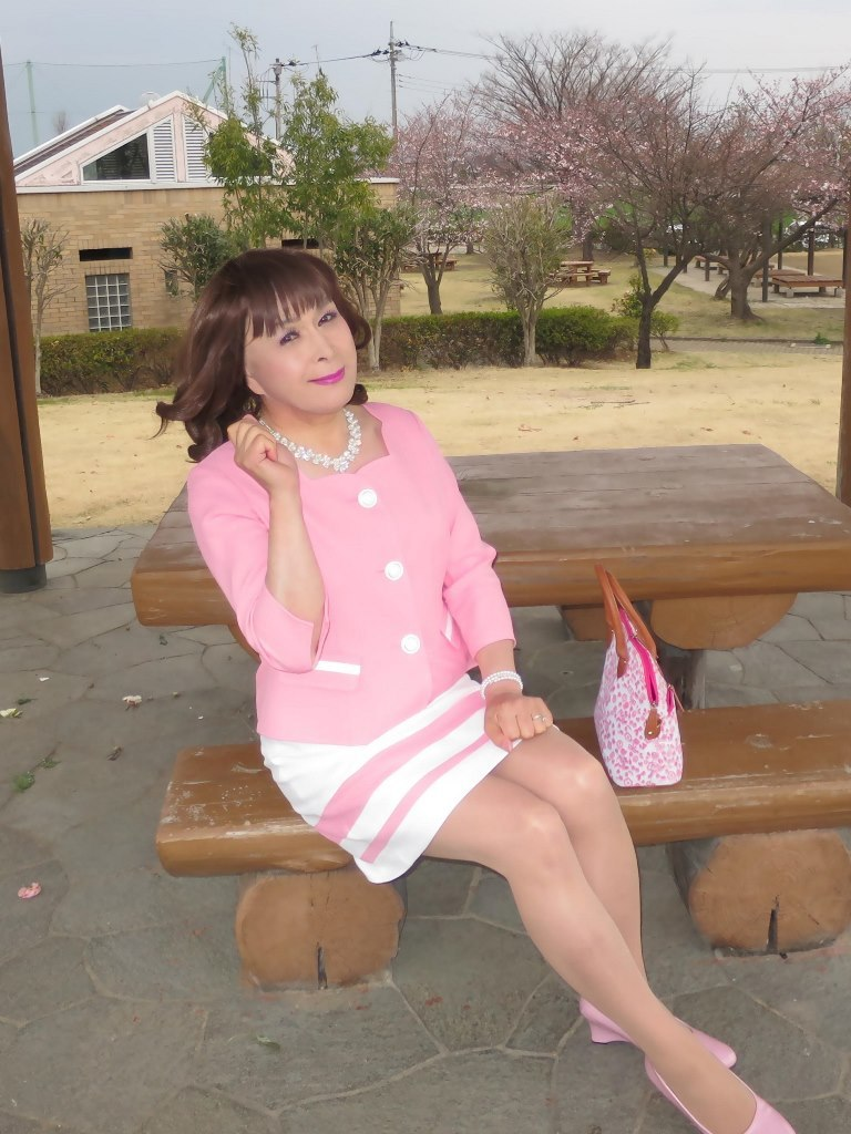 ピンクスーツC(3)