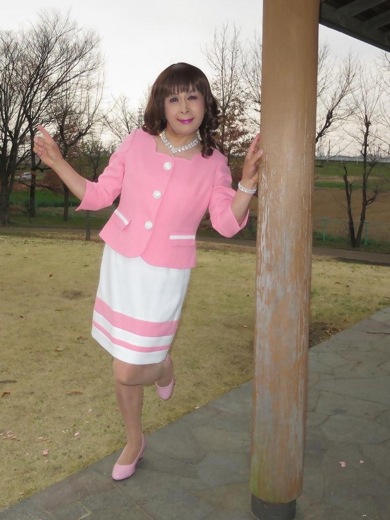 ピンクスーツD(3)