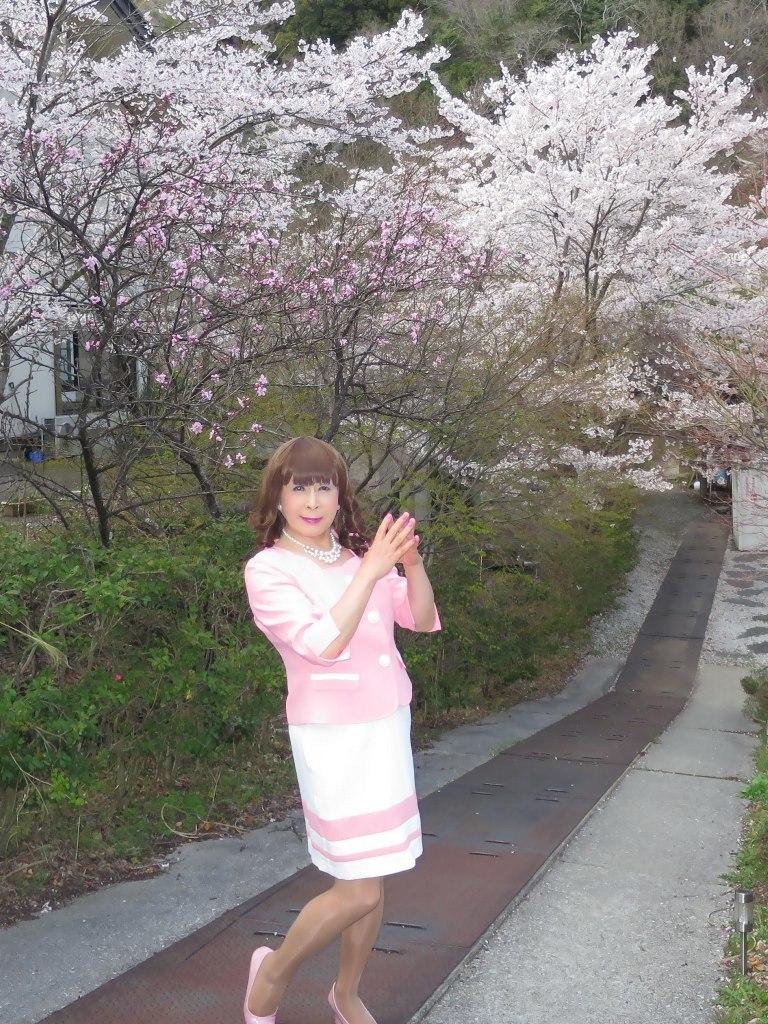 ピンクスーツ温泉前C(1)