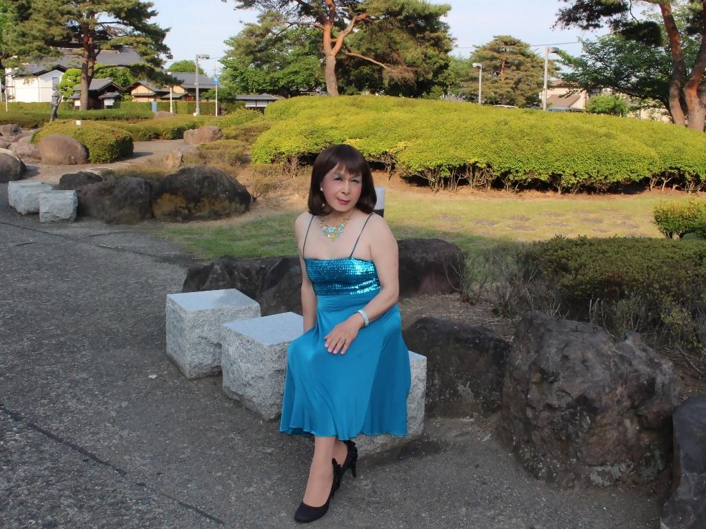 青胸元スパンコールドレスA(8)