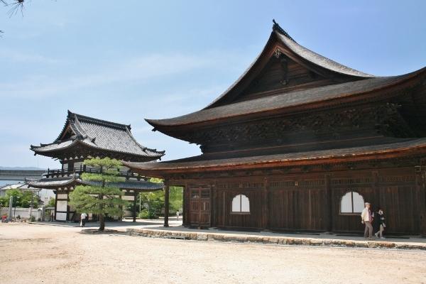 107 金堂と楼門 IMG_9539 (600x400)