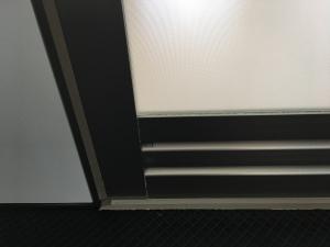 浴室扉の浴室側