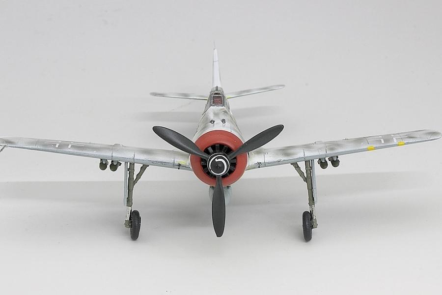 フォッケウルフF8-4