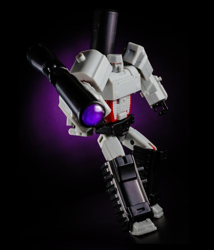 S189_Megatron_info_inask_026.jpg
