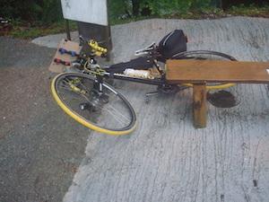 54 休憩でバイクを倒すDSC01384
