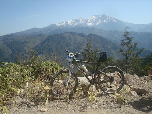1 御嶽山をバックにDSC01454