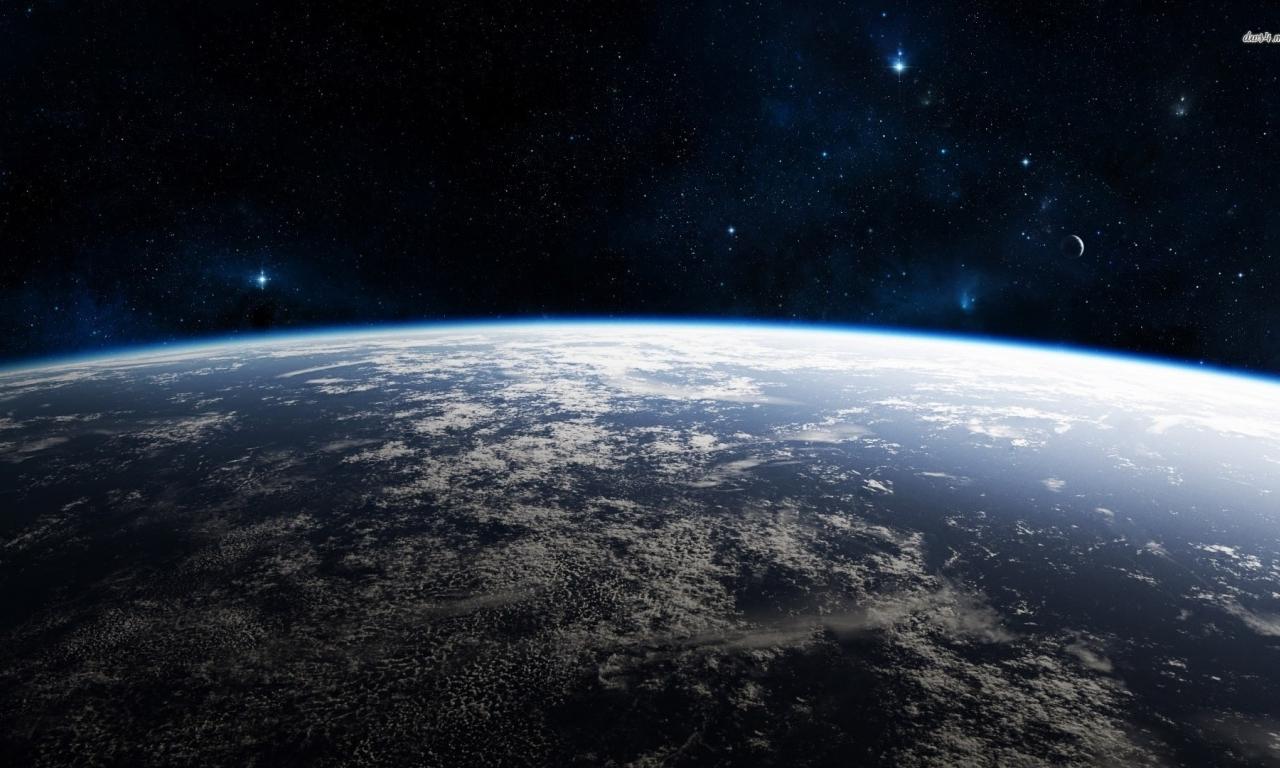 眼下の地球
