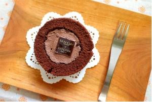 ローソン_GODIVAショコラロールケーキ