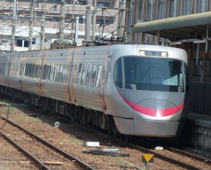 JR松山駅 8000系特急形電車