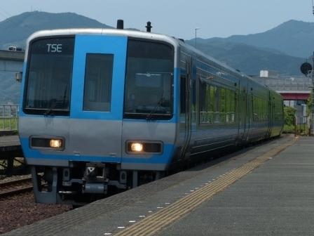 JR四国 2000系特急形気動車 2