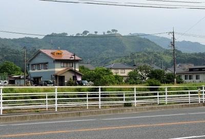 6月山富田城遠景