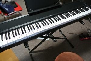 購入した電子ピアノ