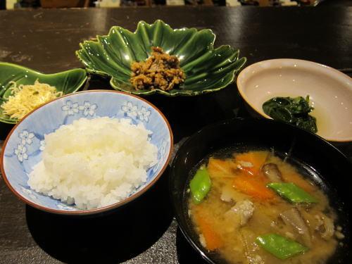 お食事(ちりめん山椒・和牛しぐれ煮・つるむらさきのお浸し・豚汁)