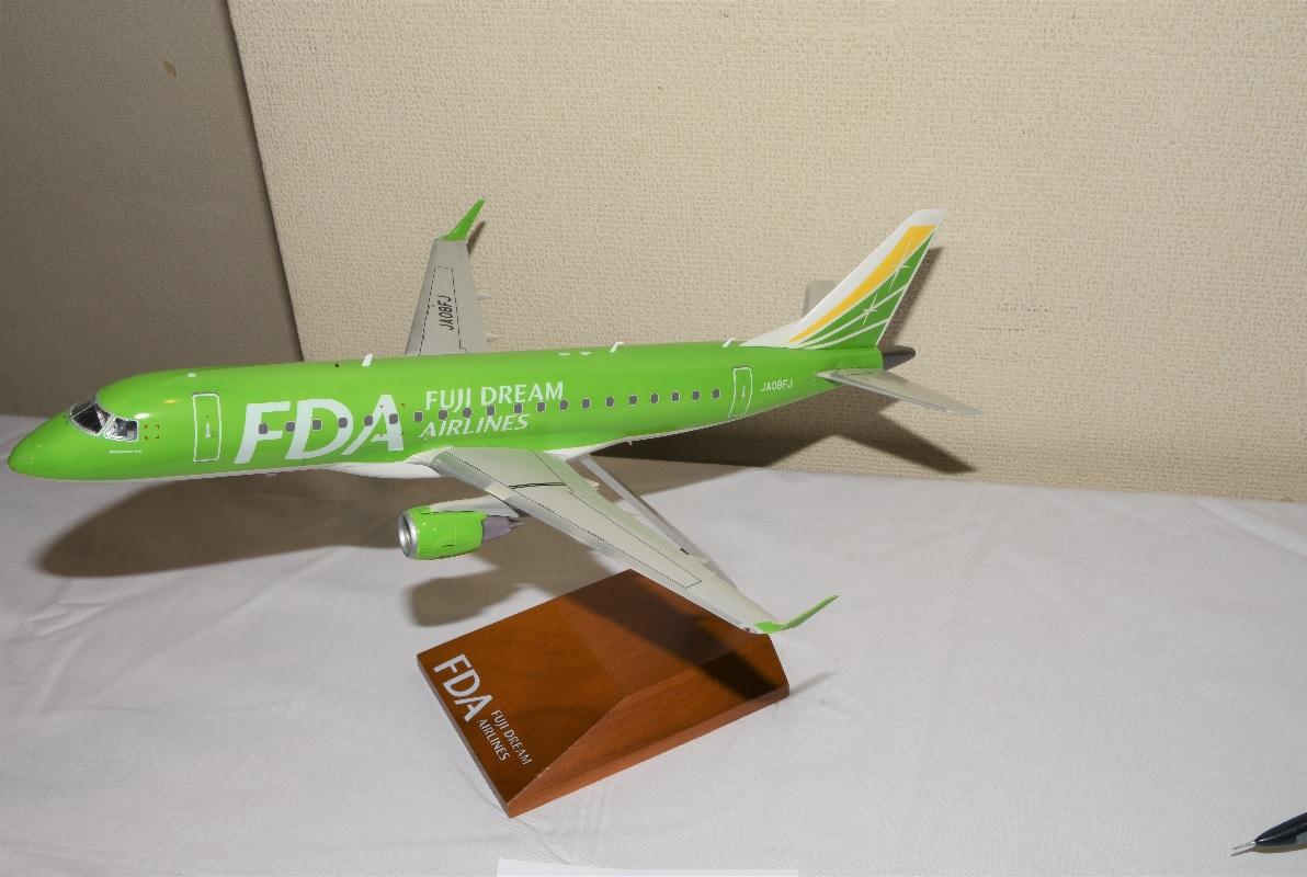 旅客機11