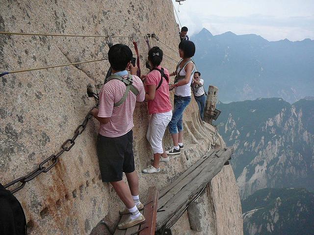 hiking-trail-huashan-mountain-china-9.jpg