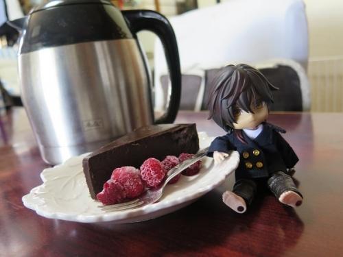 チョコケーキと大倶梨伽羅ちゃん