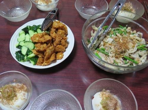 イカお好み揚げ、ゆば乳の姫豆腐のねぎ塩かけ、アスパラと鮭中骨のサラダ