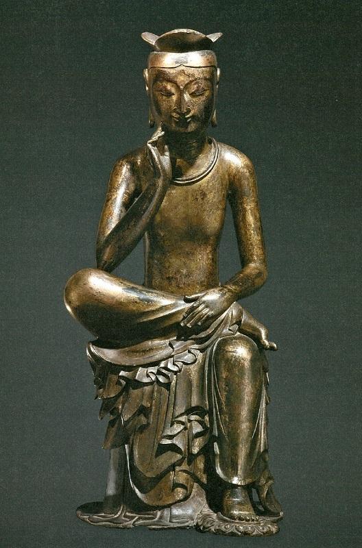 韓国国立中央博物館蔵・韓国国宝83号・半跏思惟像~指が頬に触れている