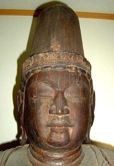 厳しい神威感を感じさせる常念寺・菩薩像(薬師菩薩像)