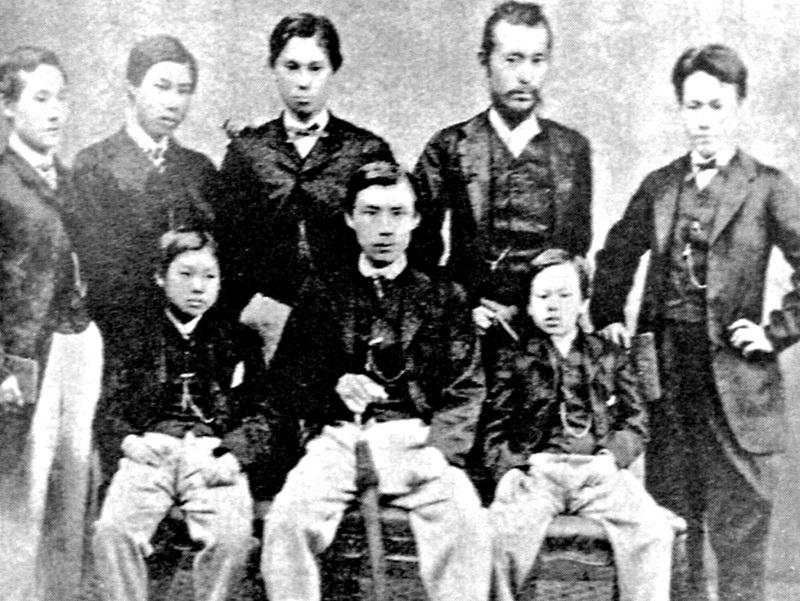 薩摩藩の留学生達(慶応元年・1865~ロンドンにて)前列中央が町田久成