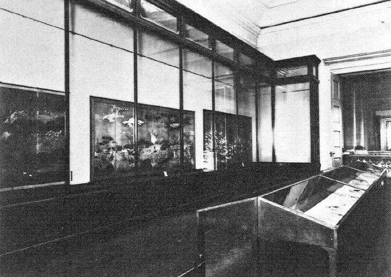 開館当時の博物館~~2階絵画陳列室