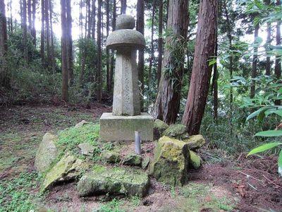 大津・三井寺法明院にある町田久成の墓