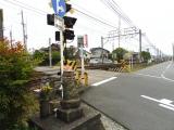 名鉄二ツ杁駅 駅前踏切のお地蔵様 踏切との位置関係