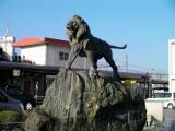 JR新町駅 ライオンの噴水彫刻