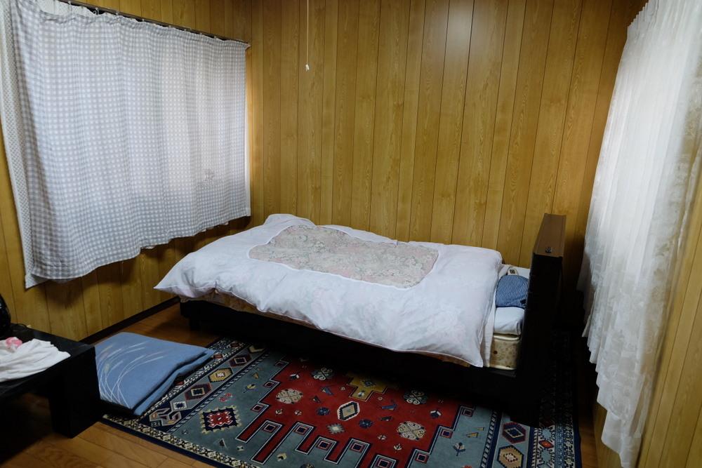 白鳥荘04部屋