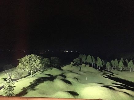 6082017 ホテル窓からのゴルフ場S
