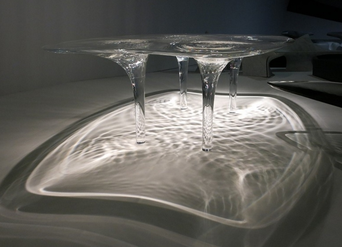 Liquid glacial table zaha hadid straordinario spazio for Zaha hadid liquid glacial