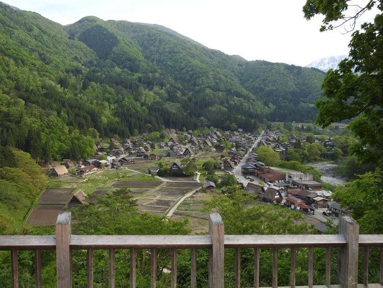 白川郷の田んぼに囲まれた静かな時間をお過ごしください ⑦