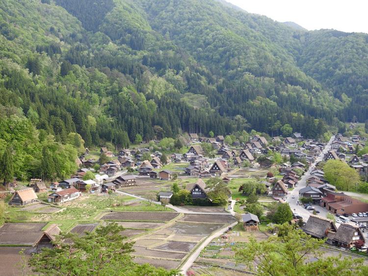 白川郷の田んぼに囲まれた静かな時間をお過ごしください ⑧