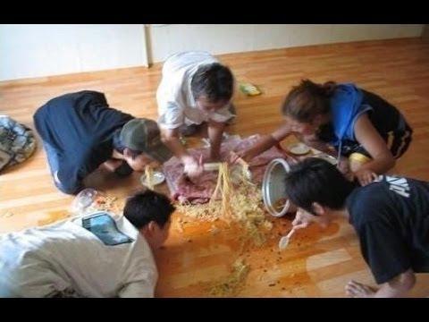 ラーメンを食う韓国人