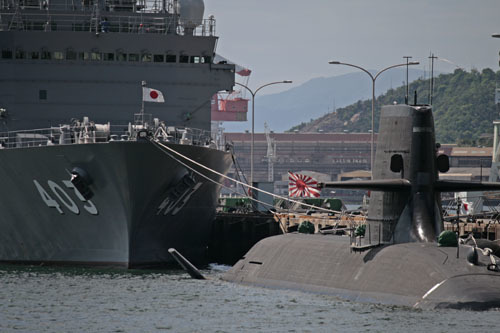 潜水艦救難艦ちはやち潜水艦3