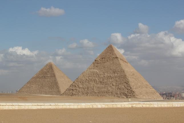 pyramid-195009_1280.jpg