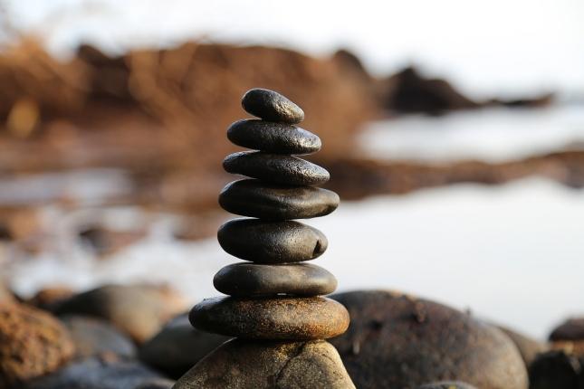 stones-2082937_1280.jpg