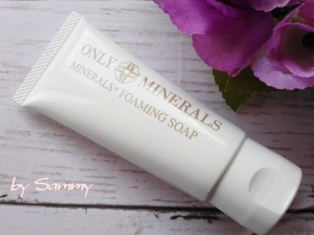 オンリーミネラル 薬用ホワイトニングファンデーション 洗顔料 1