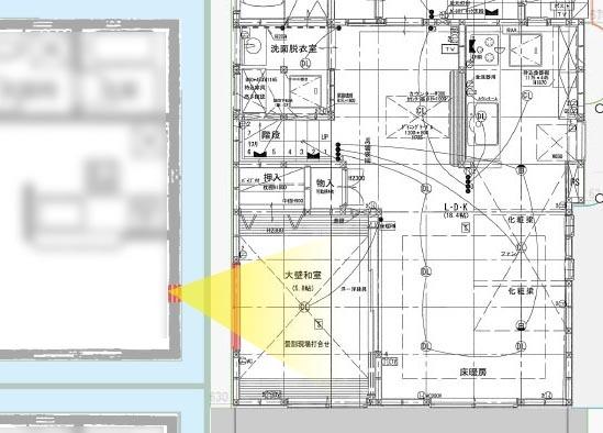 和室の窓と隣の家の窓の位置関係