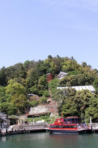 竹生島の宝厳寺
