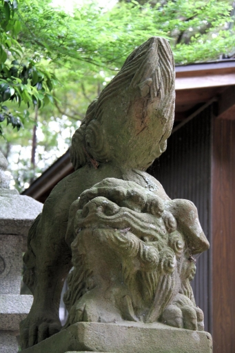 美談神社の狛ワンコ