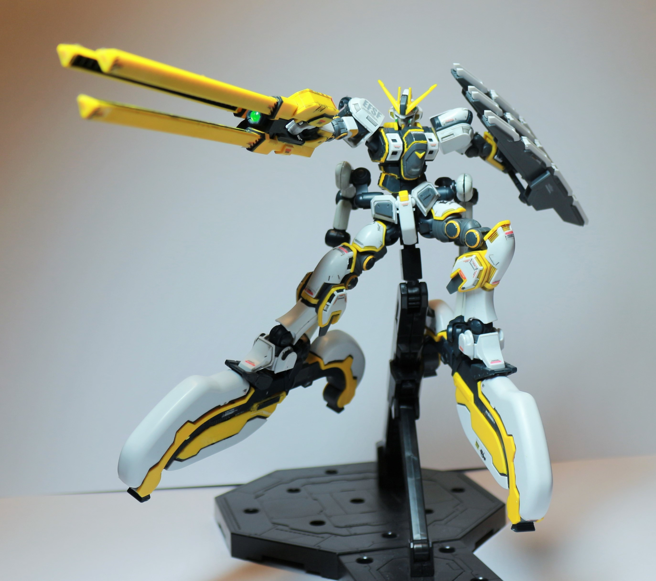HG-ATLAS_GUNDAM-0.jpg