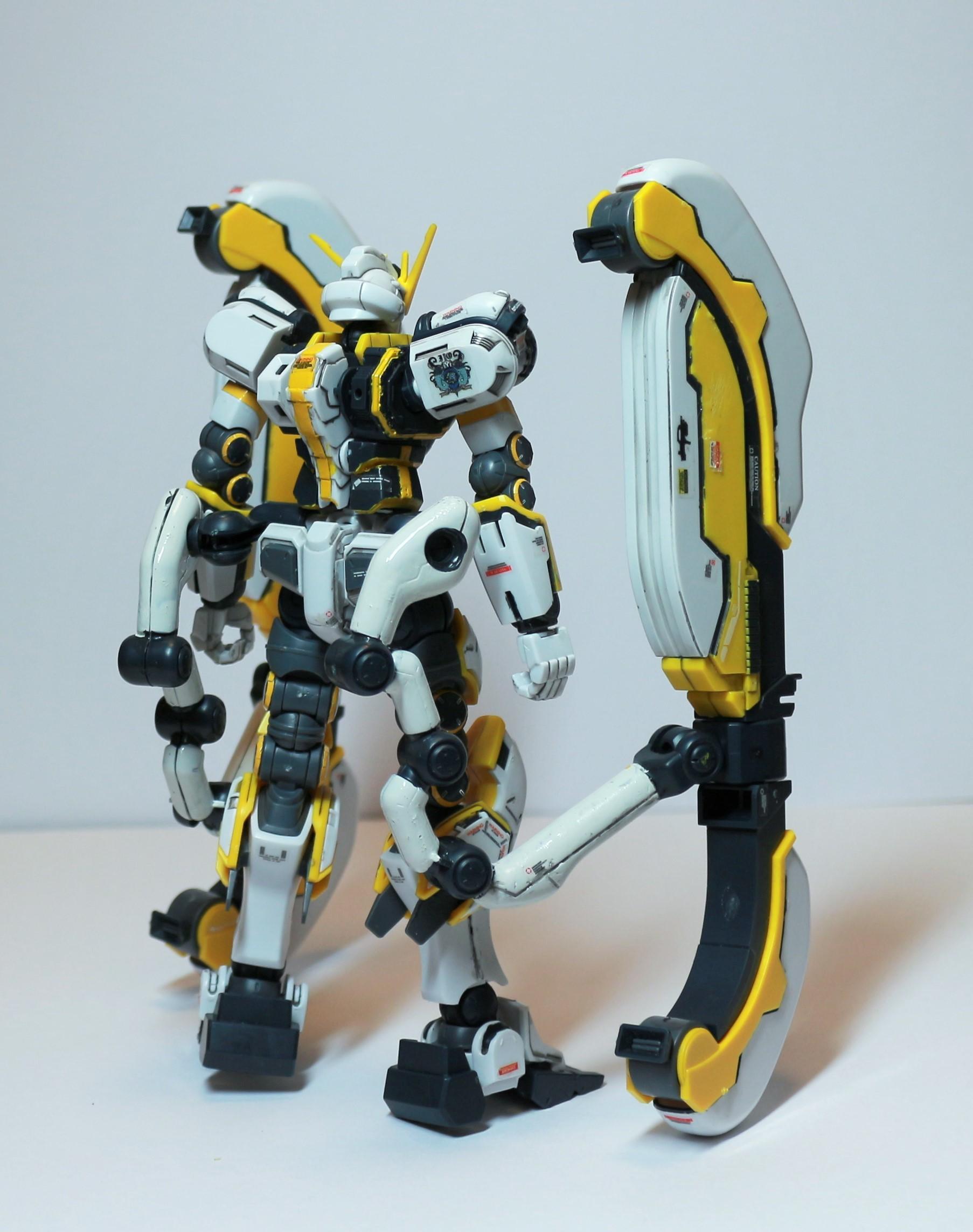 HG-ATLAS_GUNDAM-16.jpg