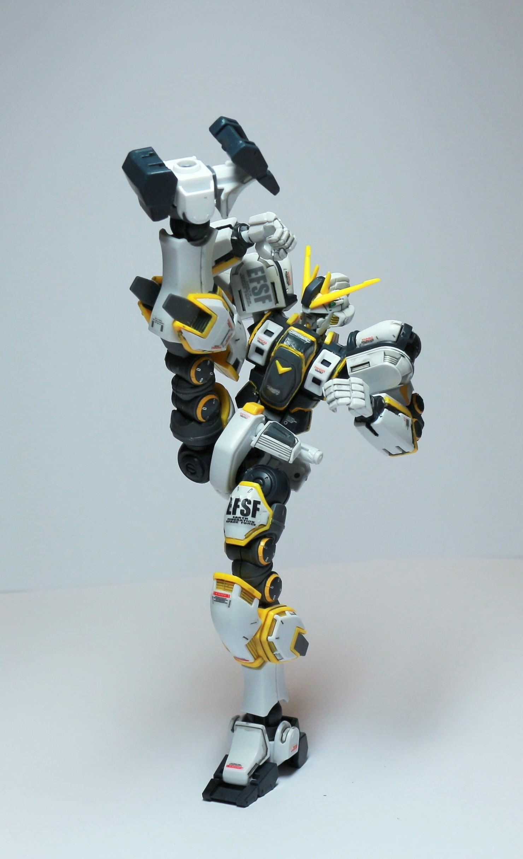 HG-ATLAS_GUNDAM-7.jpg