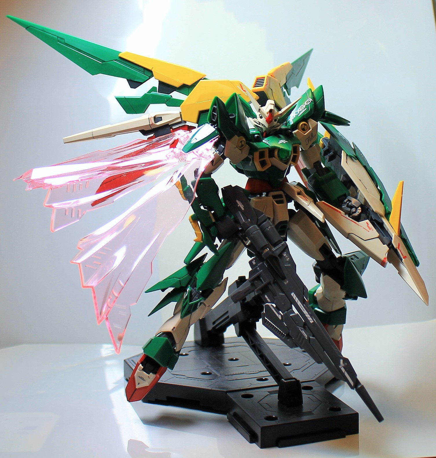 MG-Gundam_Feniche_Rinascita-1.jpg